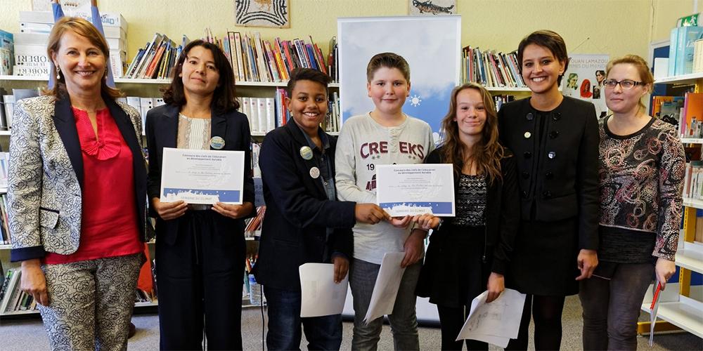 """Remise du prix """"Clés de l'éducation au développement durable"""" aux élèves du Collège du Bas-Chabelais"""