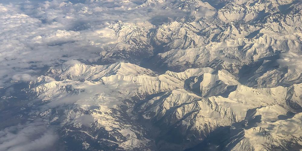Strucutre du massif alpin, vue du ciel © Marco Verch cc