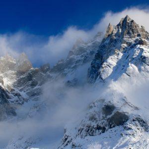 Aiguille de Chamonix plastered with snow after the storm. Photo: Katja Reich